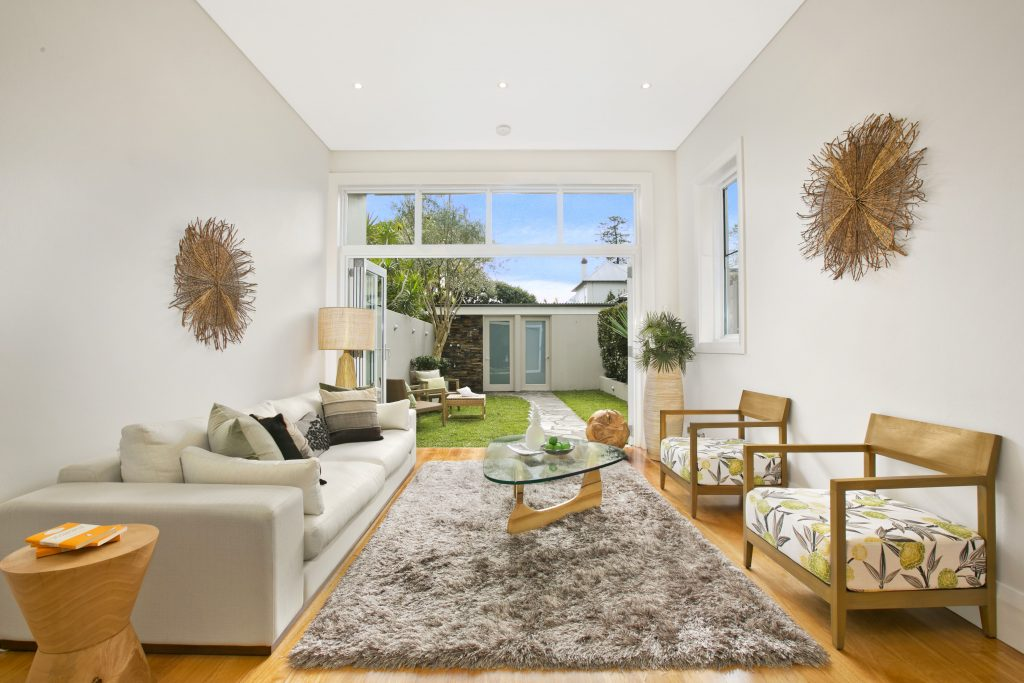 Pine_Street_28__Manly_(Living)